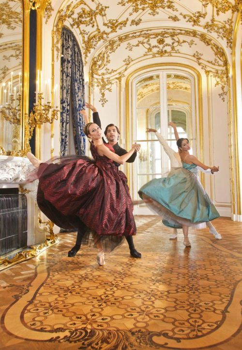 8. Vivienne-Westwood-for-the-Vienna-State-Ballet-04